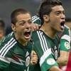 Chicharito felicita a Raúl Jimenéz por su doblete