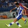 Porto derrota a la Roma 3-0  y pasa a la fase de grupos de la Champions, Tecatito y Layún anotan