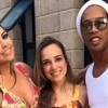 """Ronaldinho se """"casará"""" con dos mujeres a la vez en agosto"""