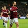 Chicharito llegó a un acuerdo con Valencia, pero West Ham no está de acuerdo